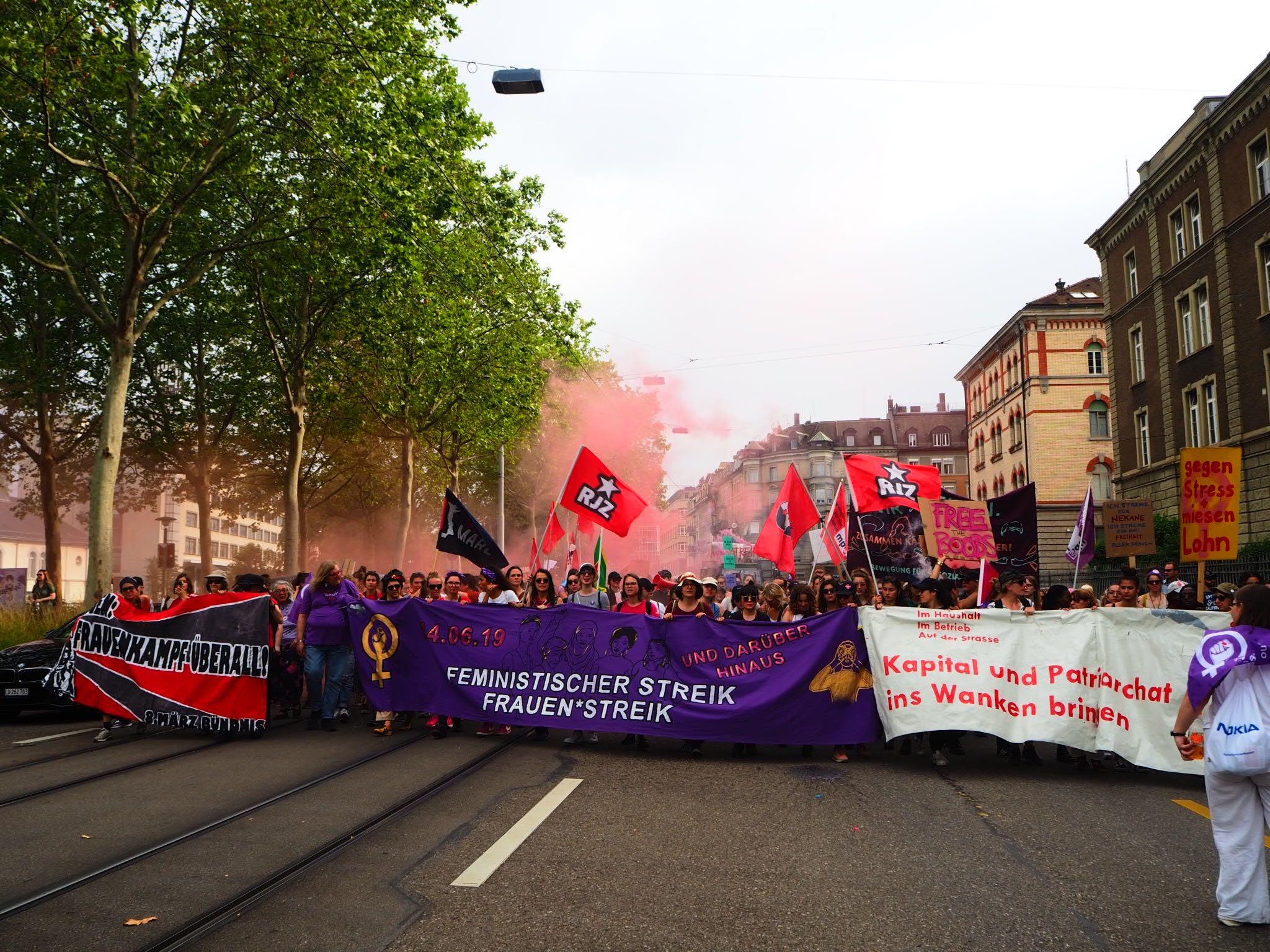 Foto der 14. Juni Demonstration von Vorne